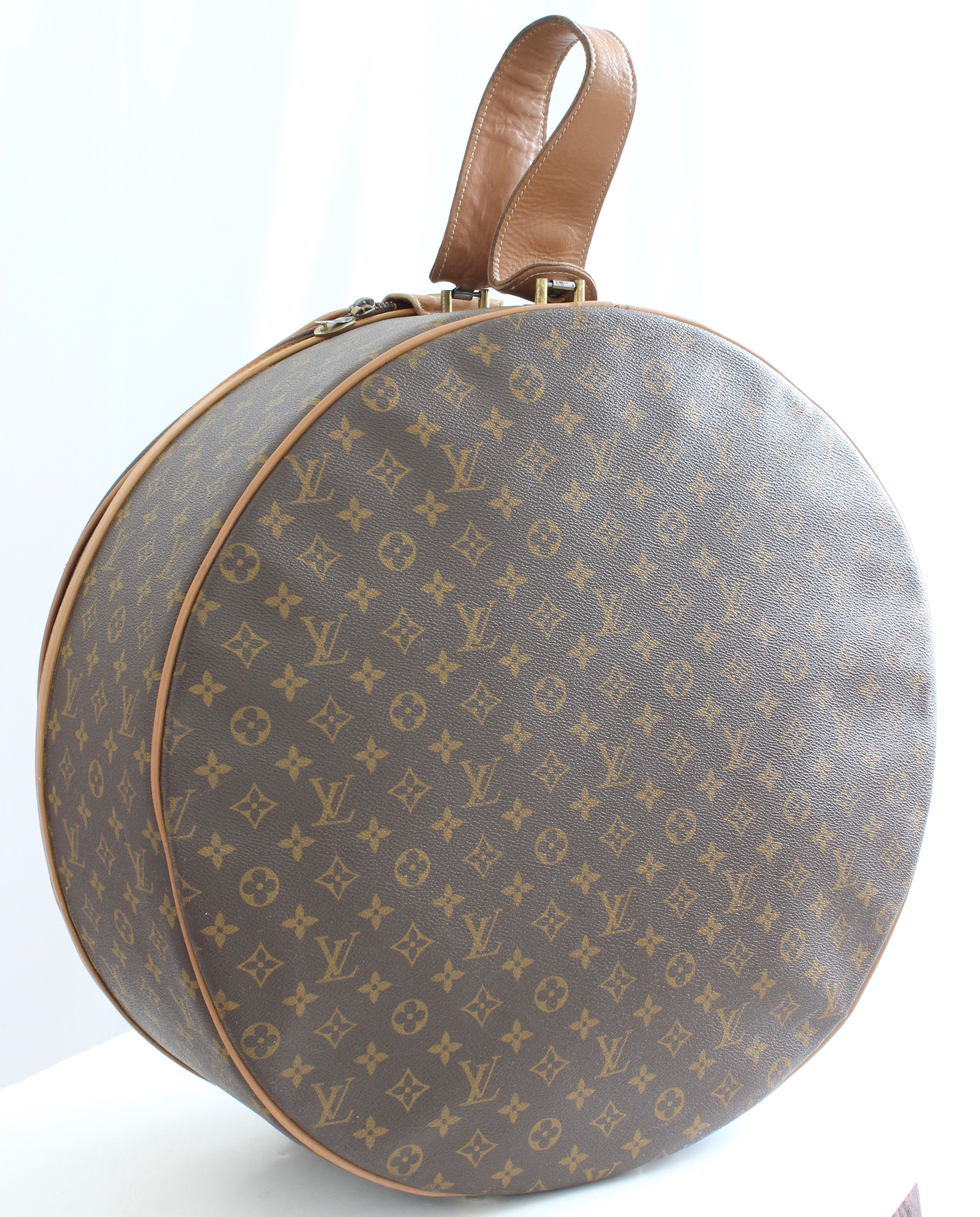 10b681b25999 Louis Vuitton The French Company Boite Chapeaux Round Hat Box 50cm Travel  Bag at 1stdibs