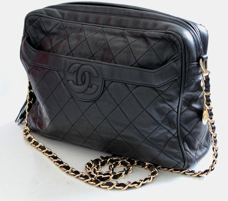 80291ff97fd Vintage Chanel Quilted Shoulder Bag Black Lambskin Leather Matelasse CC  Logo 80s For Sale 1