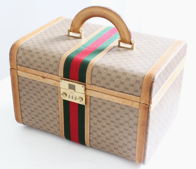 Brown Gucci Train Case with Mirror & Lock GG Logo Canvas Webbing & Leather Travel Bag For Sale