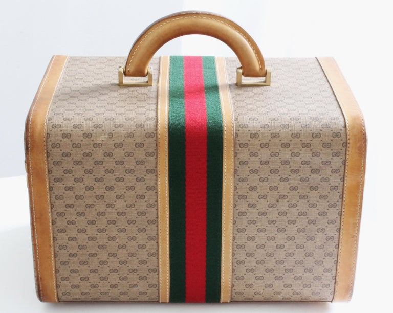 Women's or Men's Gucci Train Case with Mirror & Lock GG Logo Canvas Webbing & Leather Travel Bag For Sale