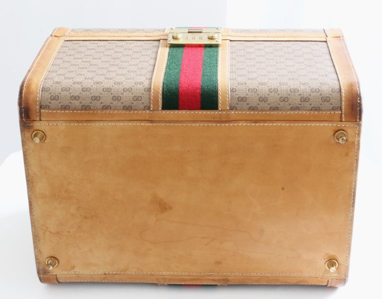 Gucci Train Case with Mirror & Lock GG Logo Canvas Webbing & Leather Travel Bag For Sale 1