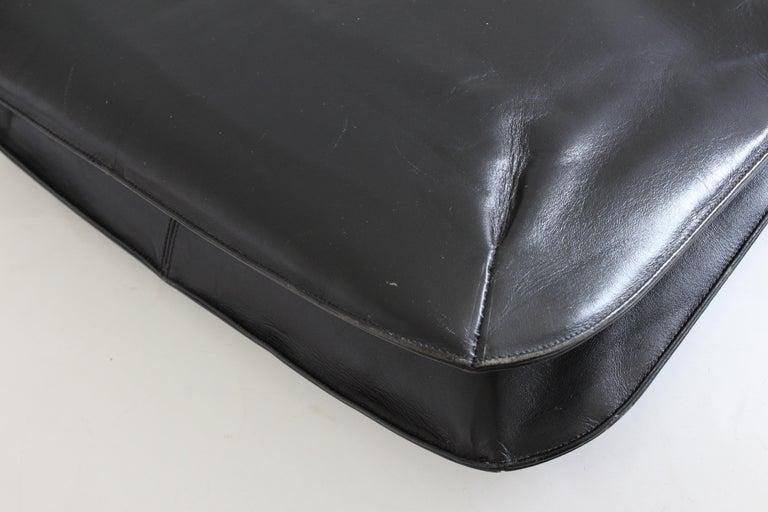 Rare Saks Fifth Avenue Shoulder Bag Jackie O Style Black Box Leather 70s  For Sale 3