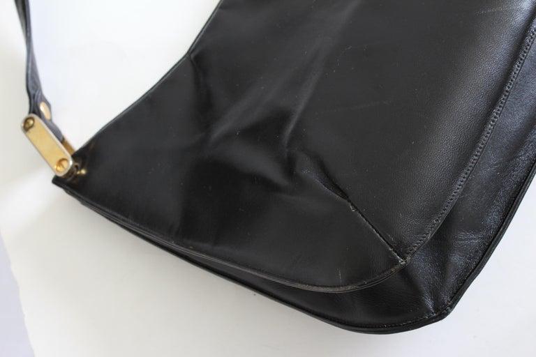 Rare Saks Fifth Avenue Shoulder Bag Jackie O Style Black Box Leather 70s  For Sale 4
