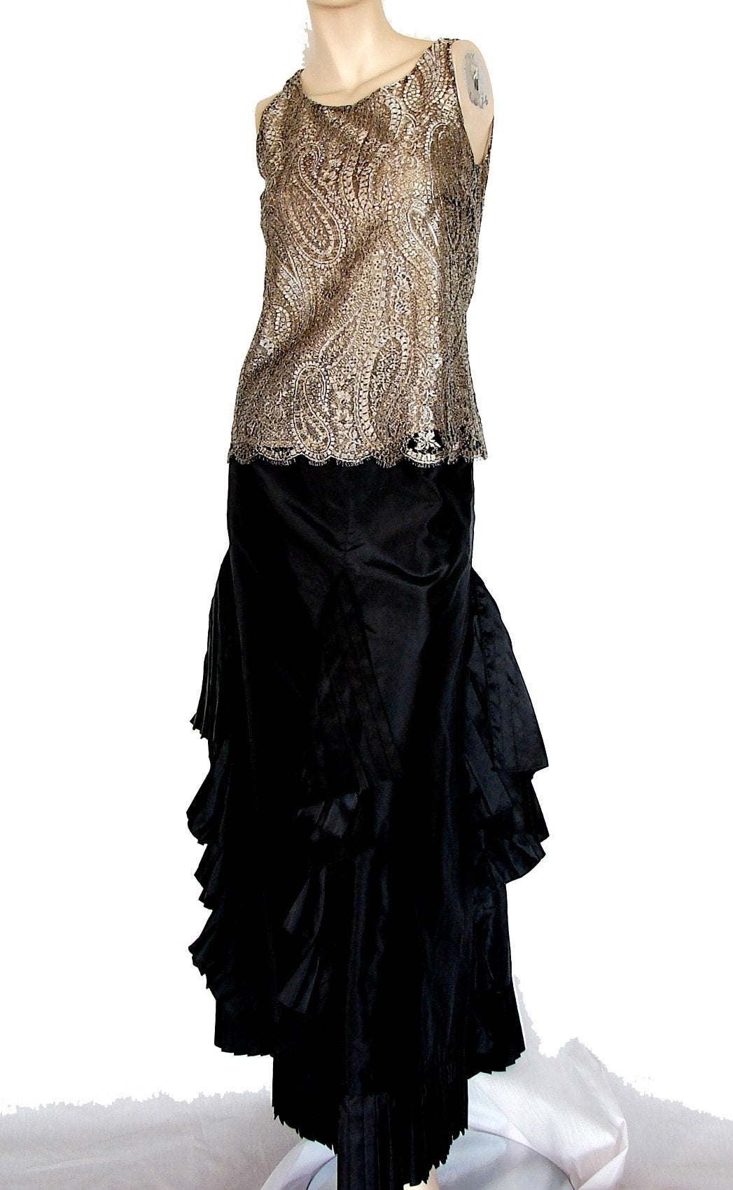 e80f5ed603a1a Chanel Silk Blouse Sleeveless Metallic Paisley Scalloped Lace Shell Top Sz  38 For Sale at 1stdibs