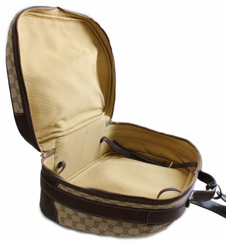 Gucci GG Logo Canvas Small Carry On Bag Suitcase Overnight Luggage, 1970s  For Sale 3