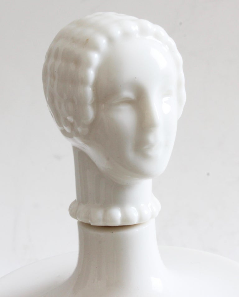 Hattie Carnegie by Lenox Figural Porcelain Powder Box and Lotion Decanter, 1940s For Sale 3
