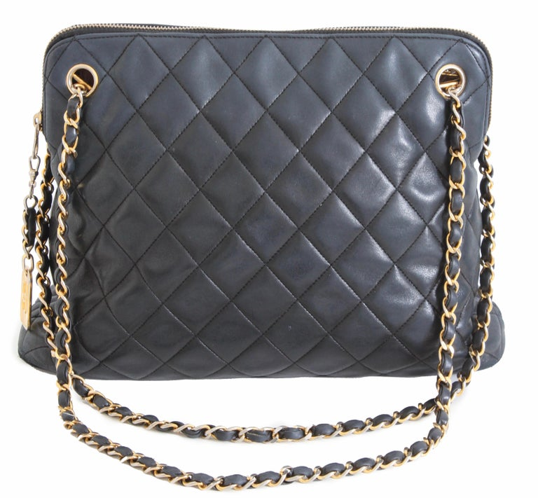 3eb77c19e651 Here s a great vintage handbag from Chanel. Made from their signature  matelasse or quilted lambskin