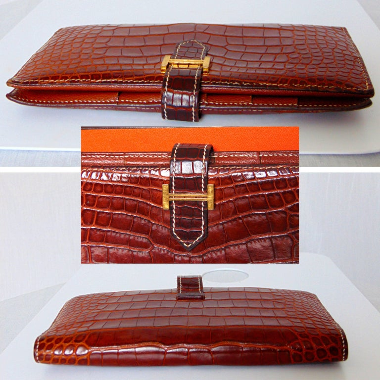Women's Hermes Alligator Wallet Bearn Honey Miel Croc with Contrast Stitching with Box For Sale