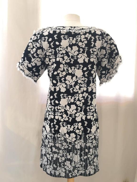 CHANEL Black/White Printed CC Dress size 38 3