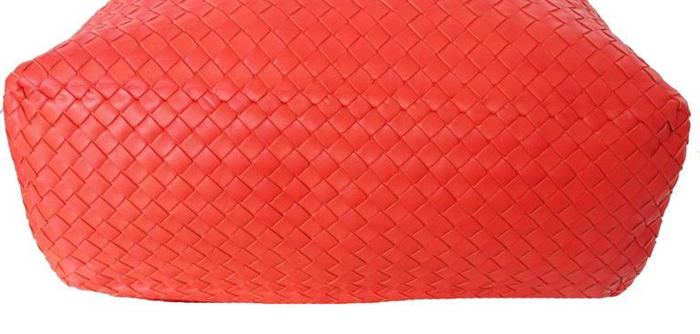 1d429afa1089 Bottega Veneta Extra Large Orange Intrecciato Nappa Tote Bag and Mirror In  New Condition For Sale