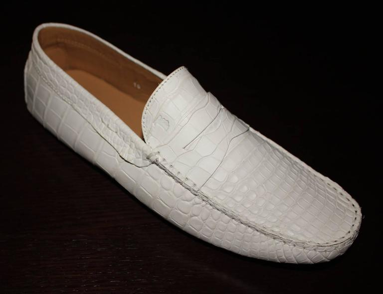 TOD'S White Gommino Driving Shoes Exotic Crocodile Skin Moccasins In New Condition For Sale In Switzerland, CH
