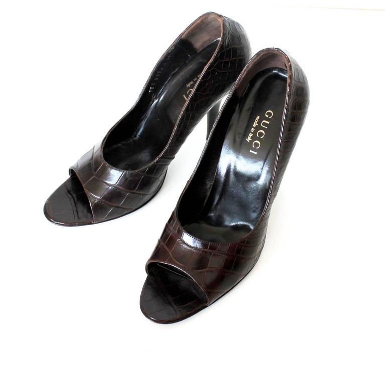 Black Gucci Chocolate Brown Alligator Skin High Heel Peep Toes Sandals For Sale