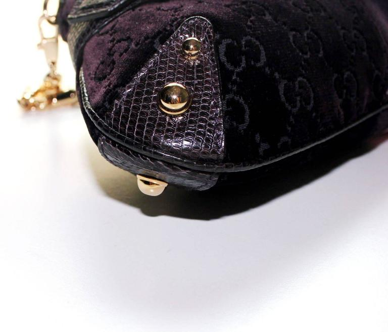 Gucci by Tom Ford Velvet GG Logo Exotic Lizard Skin Horsebit XXL Clutch Bag In Excellent Condition For Sale In Switzerland, CH