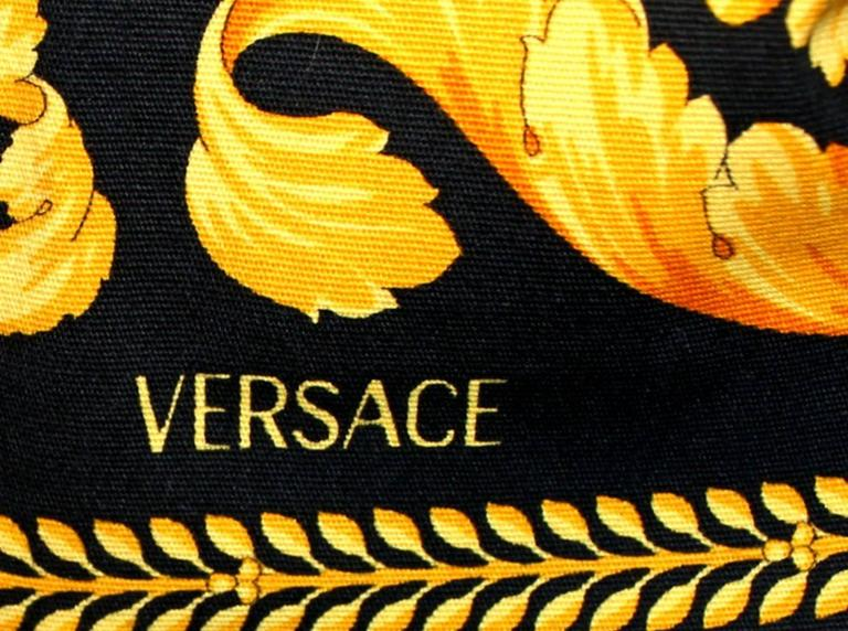 Colorful Versace Signature Medusa Print Grafitti Pants Ensemble Suit In Excellent Condition For Sale In Switzerland, CH