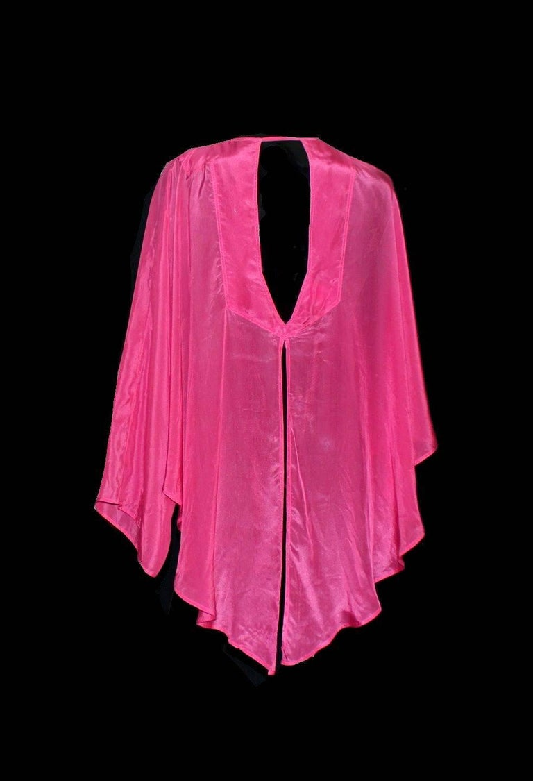 Gucci by Tom Ford Hot Pink Silk Ombre Tassel Cover Up Tunic Blouse Top In Excellent Condition For Sale In Switzerland, CH