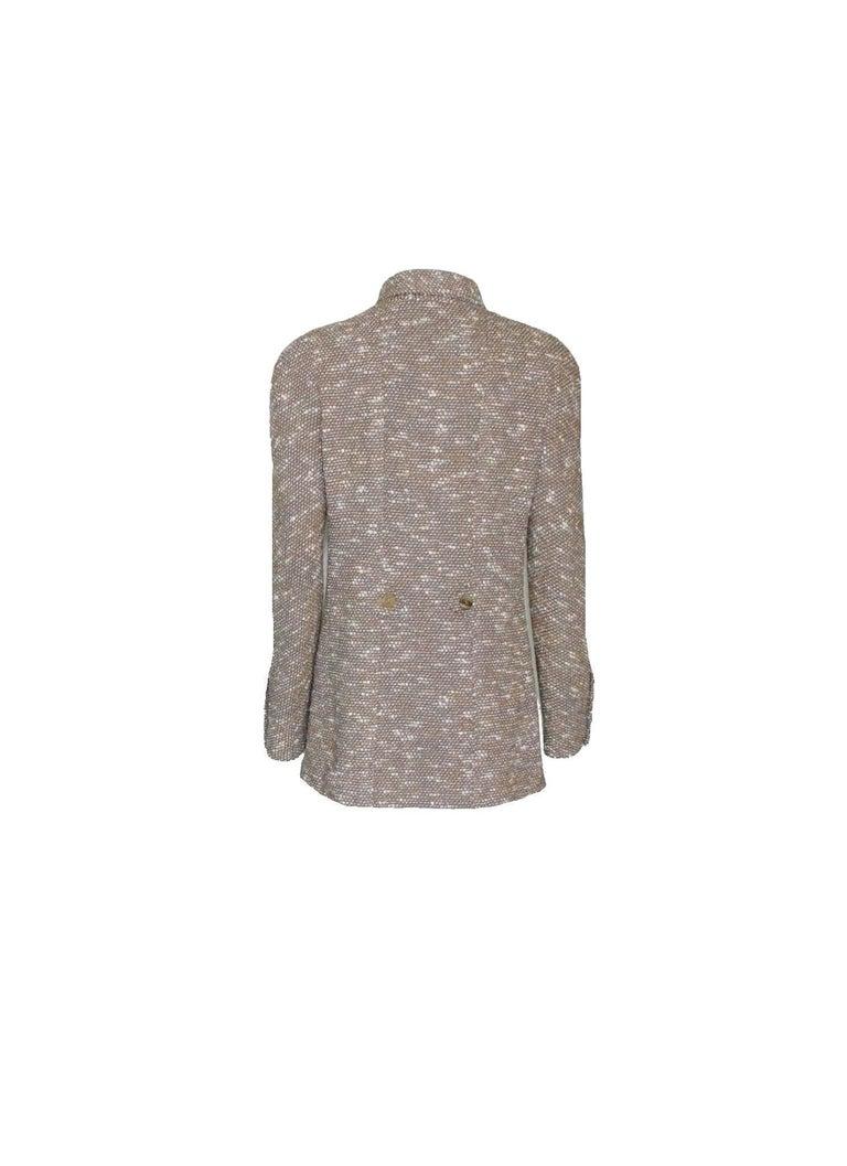Stunning Chanel Tweed CC Logo Button Short Coat Jacket Blazer In Excellent Condition For Sale In Switzerland, CH