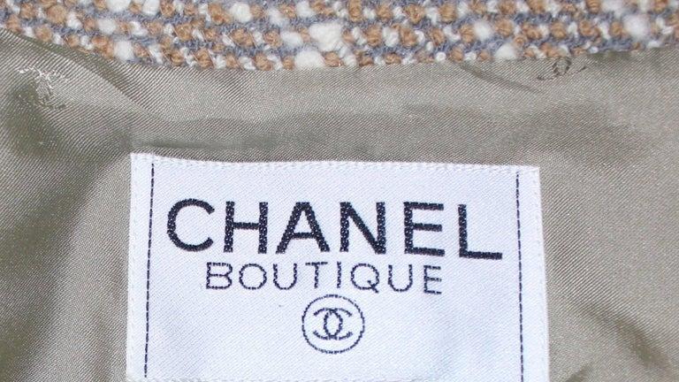Stunning Chanel Tweed CC Logo Button Short Coat Jacket Blazer For Sale 4