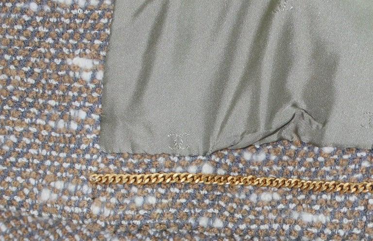 Stunning Chanel Tweed CC Logo Button Short Coat Jacket Blazer For Sale 3