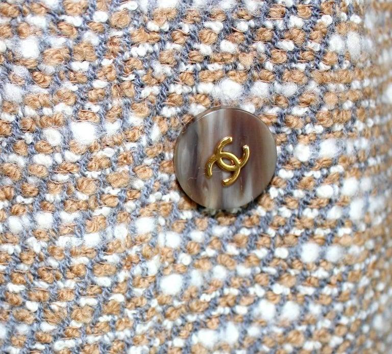 Stunning Chanel Tweed CC Logo Button Short Coat Jacket Blazer For Sale 2
