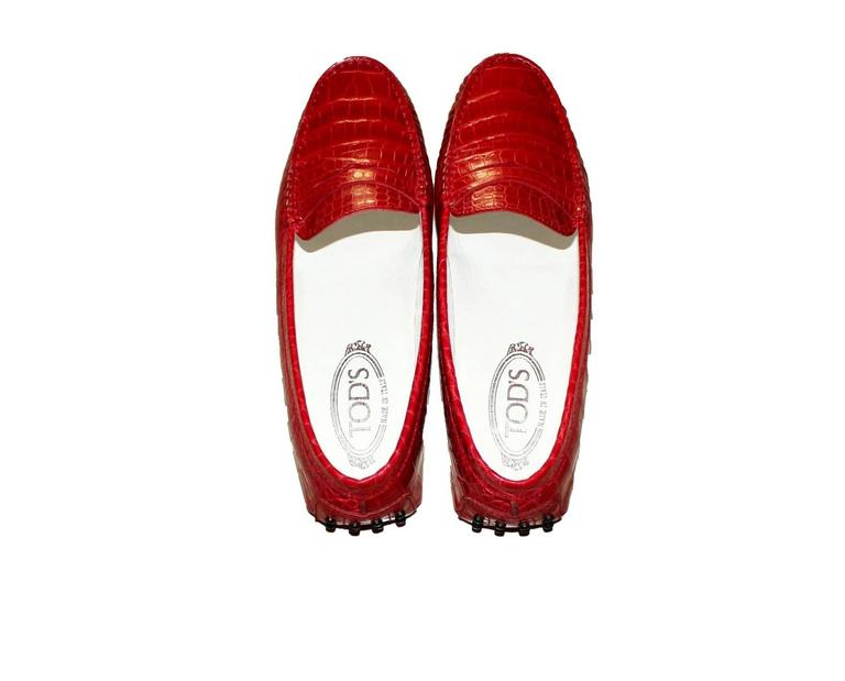 Exotic Tod's Cherry Red Gommino Moccasins Loafers  Alligator Crocodile Skin In New Never_worn Condition For Sale In Switzerland, CH