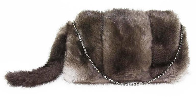 Gucci Tom Ford FW 2004 Dragon Pearl Jeweled Mink Fur Purse Clutch In New never worn Condition For Sale In Switzerland, CH