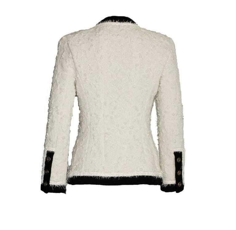 Iconic Collector's CHANEL Signature Boucle Jacket 1994 In Excellent Condition For Sale In Switzerland, CH