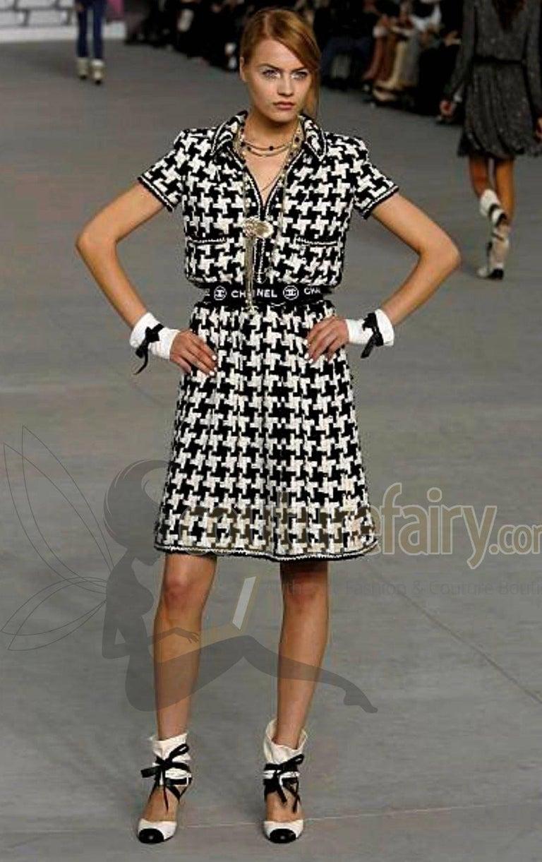 Chanel CC Signature Logo Lesage Fantasy Jacket Tweed Skirt / Dress Suit For Sale 3