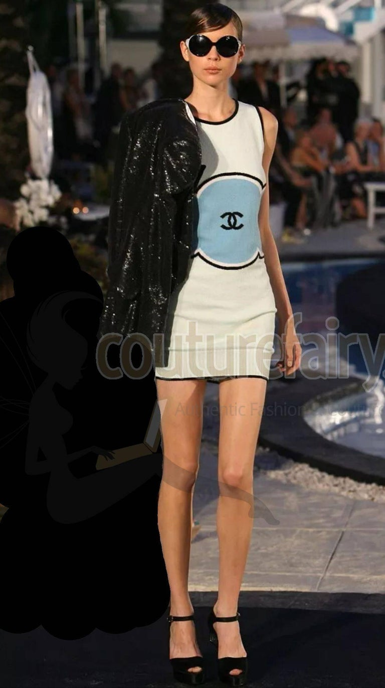 Classy Chanel Signature CC Logo Enblem Cashmere Dress For Sale 2