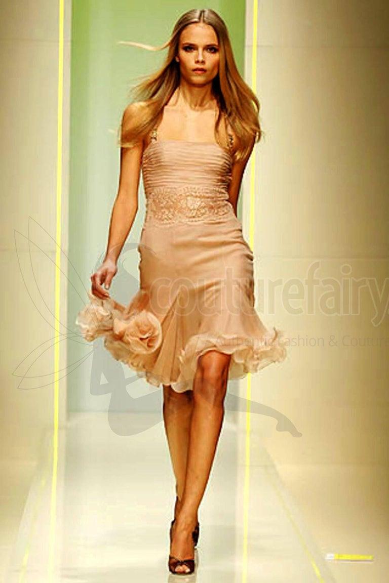 Stunning Versace Blush Nude Medusa Lace & Silk Corset Dress For Sale 5