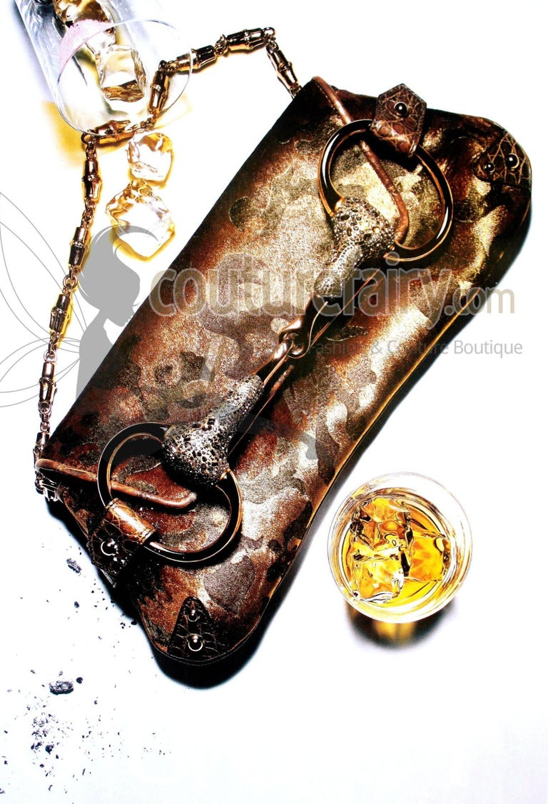 Exotic Gucci by Tom Ford 2004 XXL Velvet Crystal Encrusted Horsebit Clutch For Sale 1