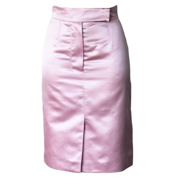 RARE COLLECTOR'S ITEM  BY TOM FORD FOR YVES SAINT LAURENT'S  ULTRAFAMOUS  SPRING SUMMER 2003 RUNWAY SHOW  THIS SKIRT WAS A KEY-PIECE OF THIS SEASON FEATURING A WOMAN'S DERRIERE ON THE BACK  DETAILS:      Beautiful YSL by Tom Ford shimmering pink