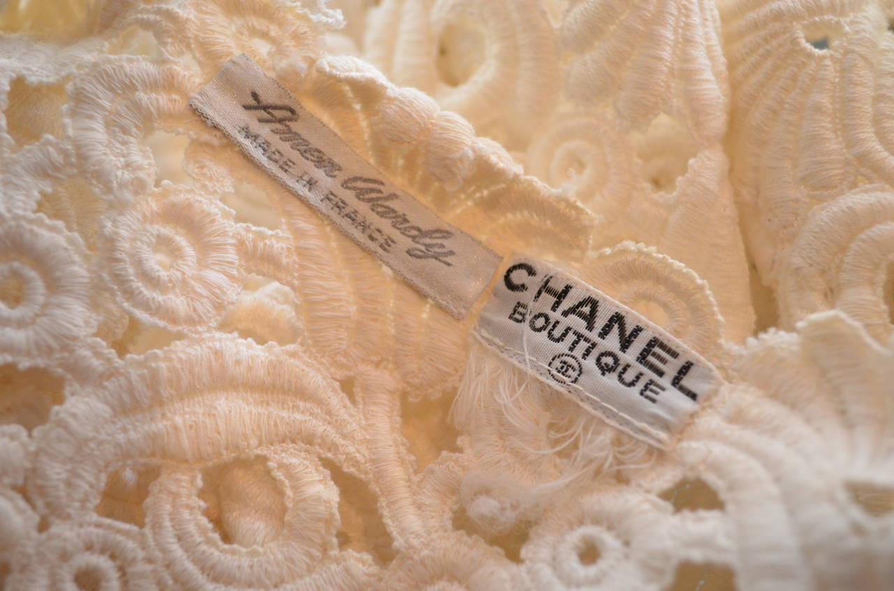 Women's 1960's Vintage Chanel Amen Wardy Off White Cream Ivory Lace Bolero Shrug For Sale