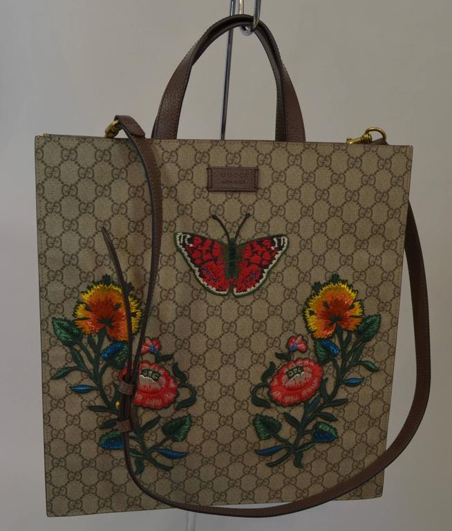 Women's or Men's Gucci Supreme Embroidered Butterfly Tote 2016/7 For Sale