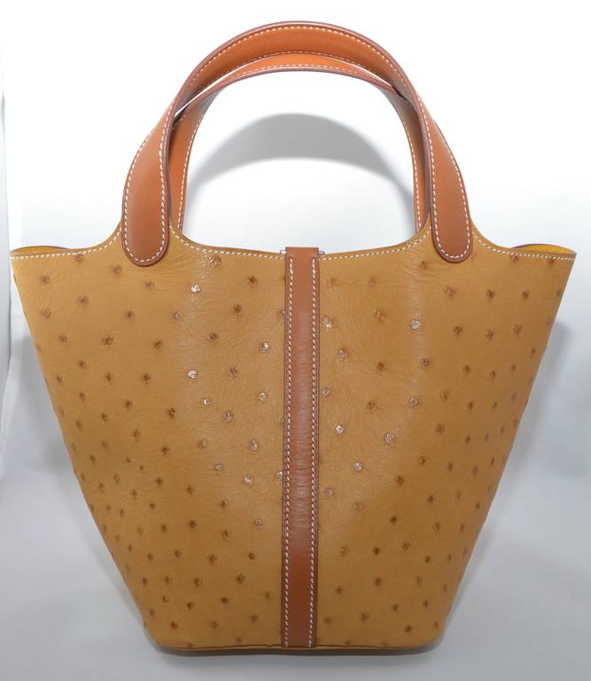 Hermes Gold Ostrich Picotin 18 Jaune Interior In Excellent Condition For Sale In Carmel by the Sea, CA