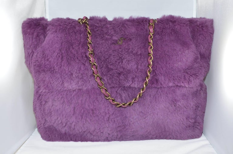 Chanel Lapin Fur Purple Tote In Excellent Condition For Sale In Carmel by the Sea, CA