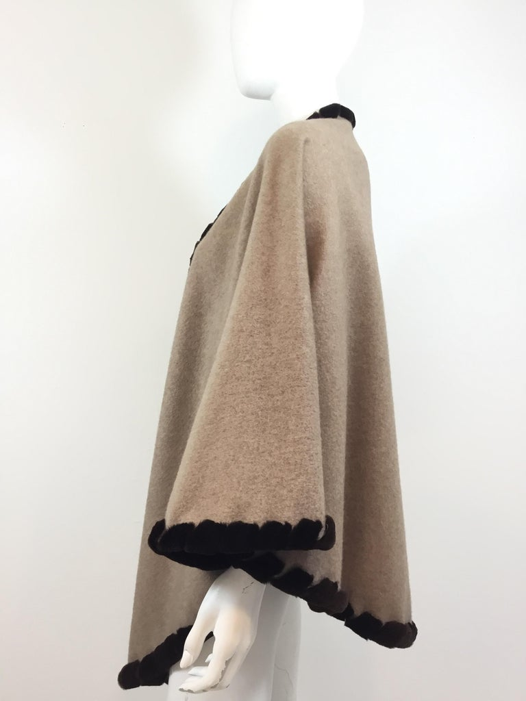 Loro Piana Cashmere Cape with Sheared Mink Fur Trim In Excellent Condition For Sale In Carmel by the Sea, CA