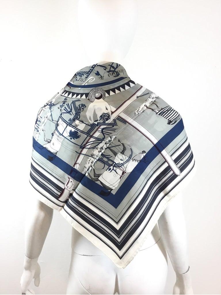 Hermès Couvertures et Tenues de jour Pour Scarf In Excellent Condition For Sale In Carmel by the Sea, CA