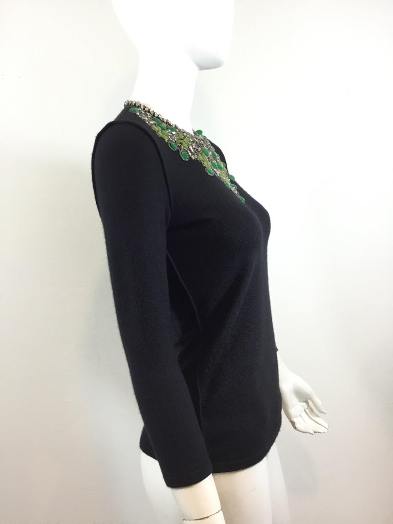 Oscar de la Renta Cashmere Embellished Sweater 2008 In Excellent Condition For Sale In Carmel by the Sea, CA