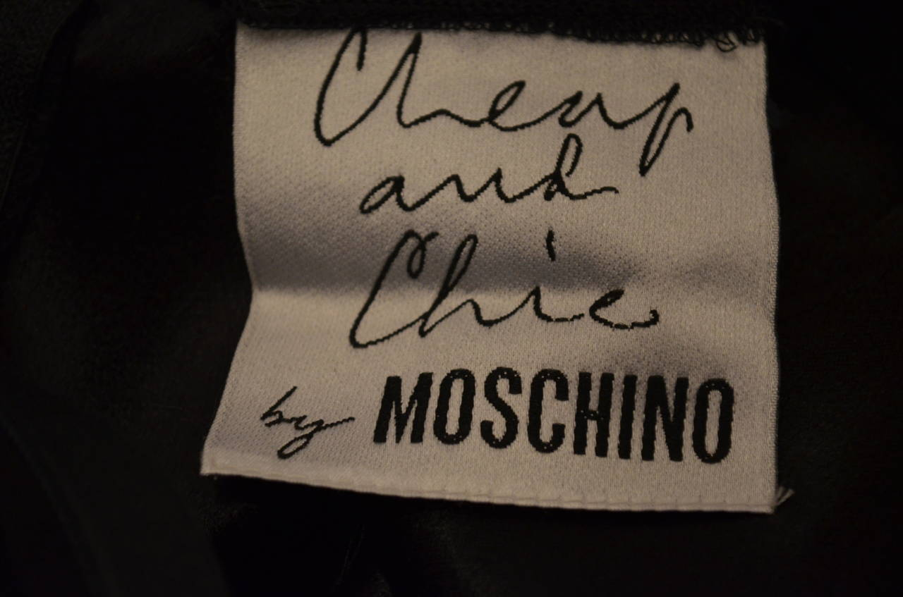 Women's Moschino Cheap & Chic Peace Love Lips Iconic LBD Dress For Sale