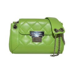 Chanel 2003-2004 Green Caviar Mini Quilted Chain Shoulder Bag