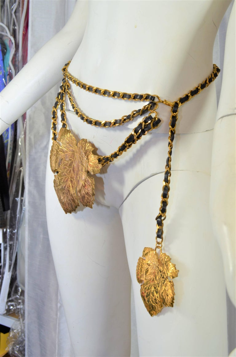 Chanel Fig Leaf Belt Col. 28 In Excellent Condition For Sale In Carmel by the Sea, CA