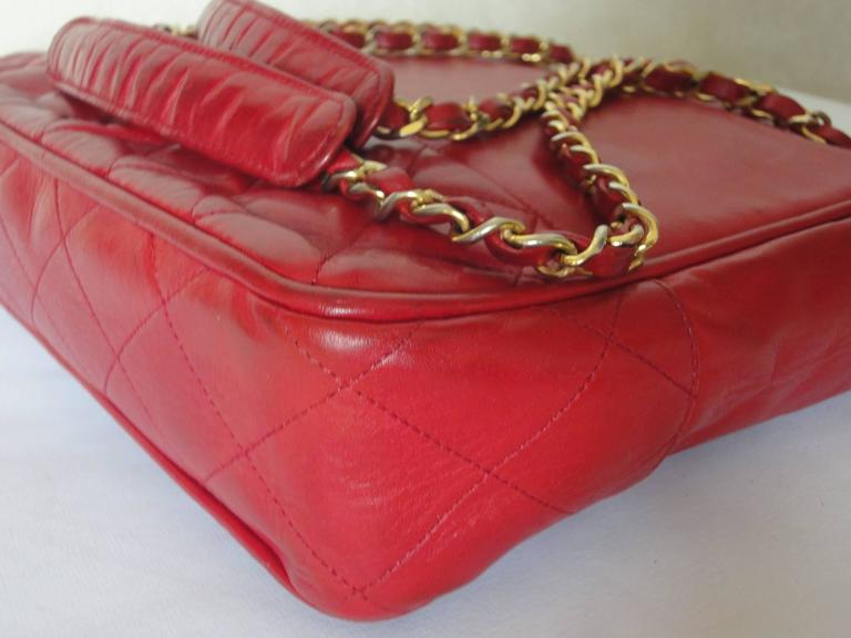 Vintage CHANEL red calfskin classic shoulder tote bag with gold tone chains In Fair Condition For Sale In Kashiwa, JP