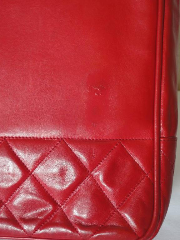 Vintage CHANEL red calfskin classic shoulder tote bag with gold tone chains 3
