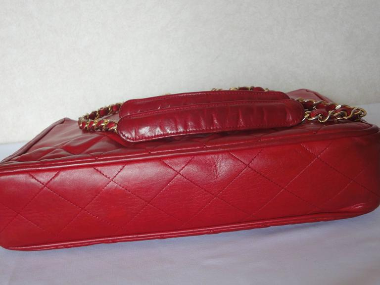 Vintage CHANEL red calfskin classic shoulder tote bag with gold tone chains For Sale 1