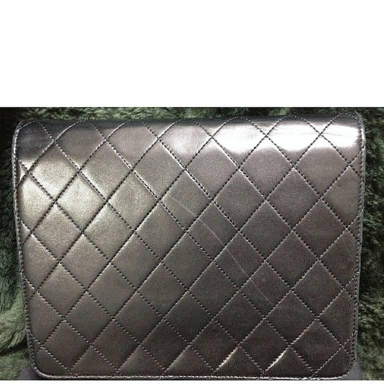 Black Vintage CHANEL black quilted lambskin classic 2.55 shoulder purse with golden CC For Sale