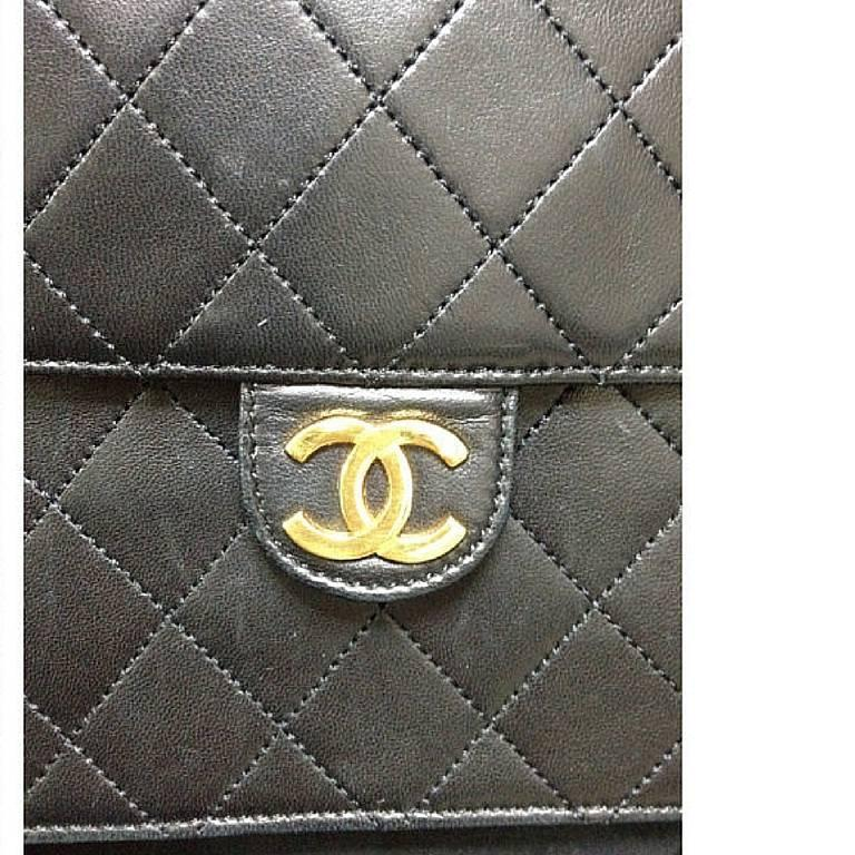 Vintage CHANEL black quilted lambskin classic 2.55 shoulder purse with golden CC 2