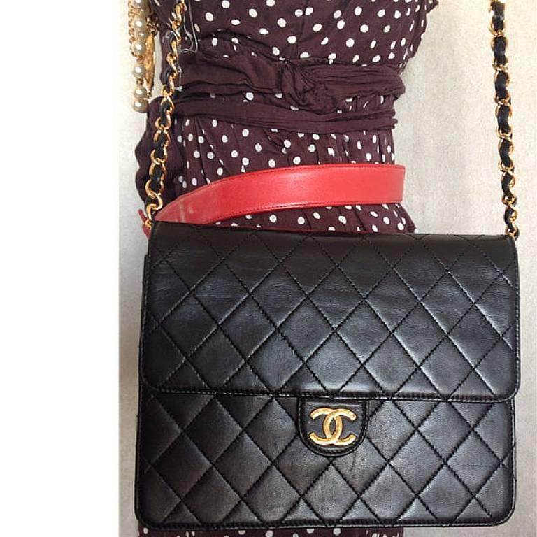 Vintage CHANEL black quilted lambskin classic 2.55 shoulder purse with golden CC 10