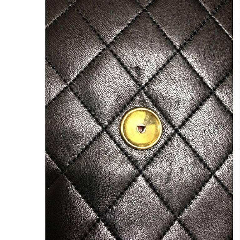 Vintage CHANEL black quilted lambskin classic 2.55 shoulder purse with golden CC For Sale 1