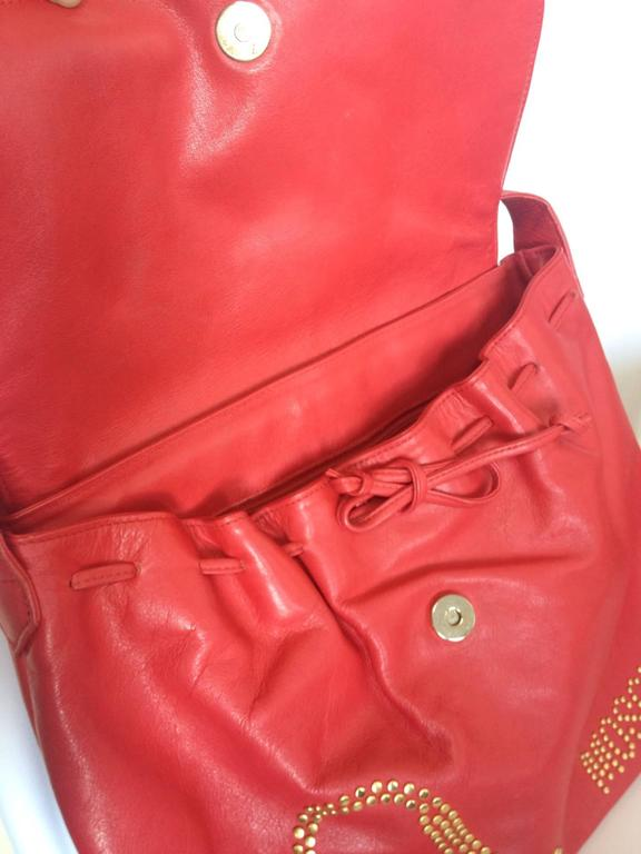 Vintage MOSCHINO red leather messenger shoulder bag with question mark, heart  3