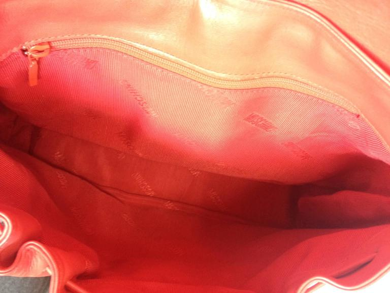 Vintage MOSCHINO red leather messenger shoulder bag with question mark, heart  4